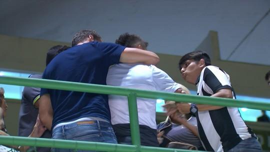 """Victor Luis atribui confusão a torcedor bêbado: """"Nada contra torcida do Bota"""""""