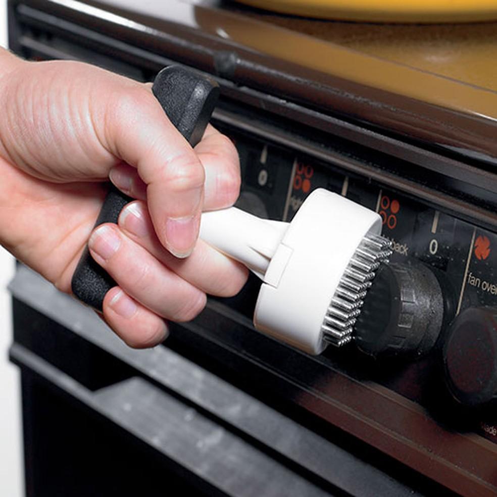 Adaptador para girar botões: aliado de quem tem artrite (Foto: Completecareshop.co.uk/Divulgação)