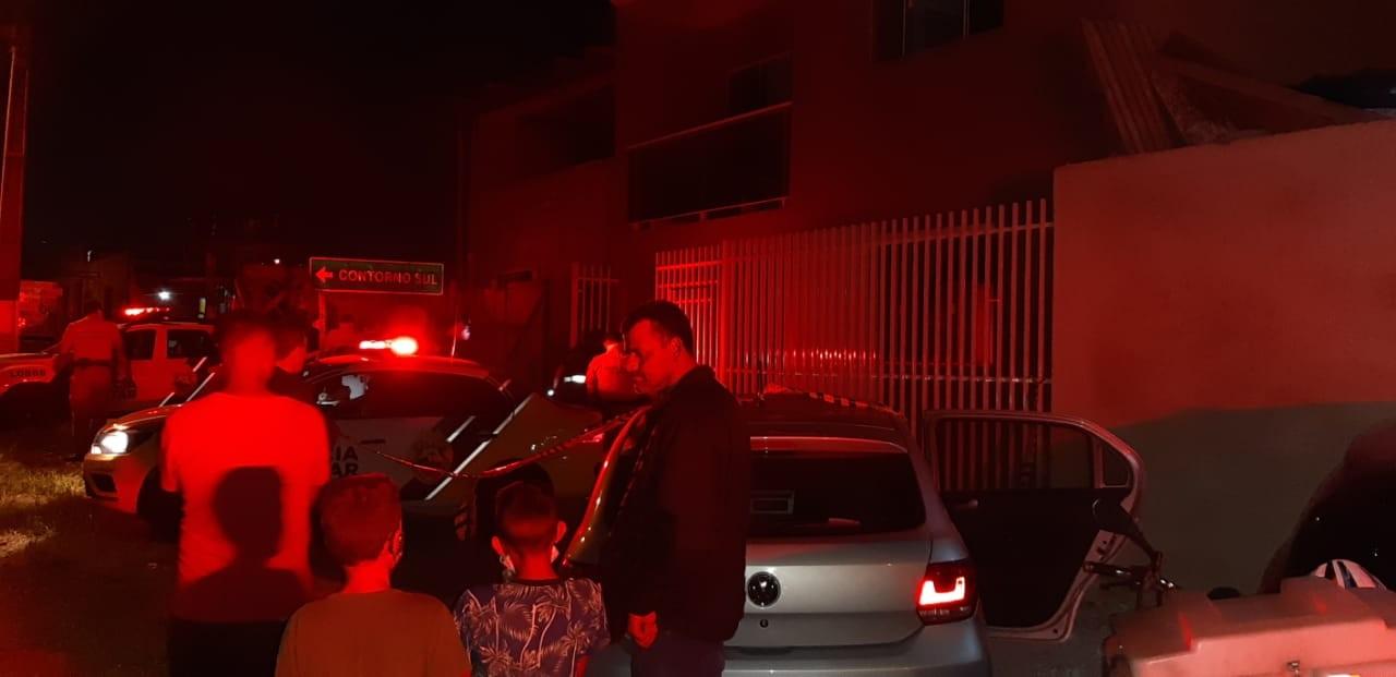 Homem é morto a tiros em frente a construção, em Curitiba; pedreiro é suspeito do crime