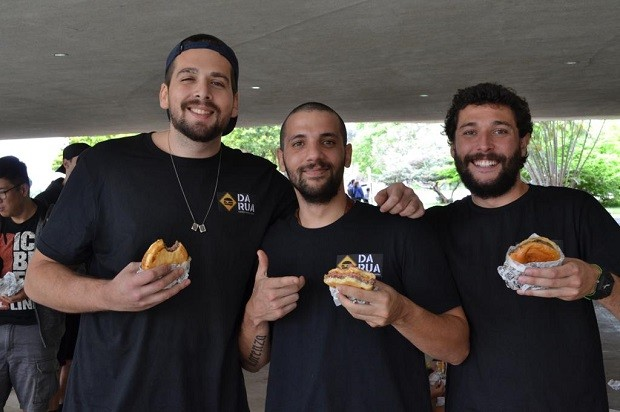 Antônio Alves, Victor Miranda e Raphael Fernandes, fundadores do Burger da Rua (Foto: Divulgação)