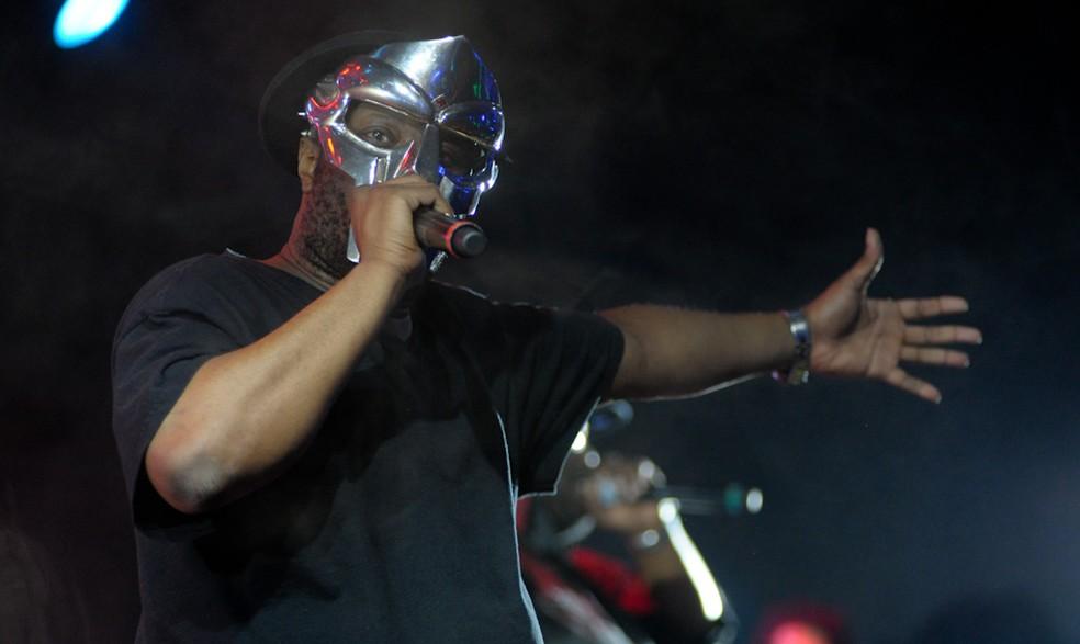 O rapper mascarado DOOM, na edição brasileira do festival Sonar 2012 — Foto: Flavio Moraes/ G1