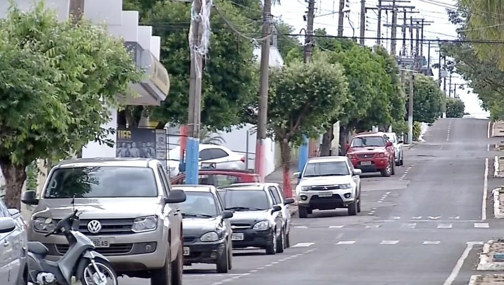 Prefeitura nega falta de transporte na cidade — Foto: TVCA/Reprodução