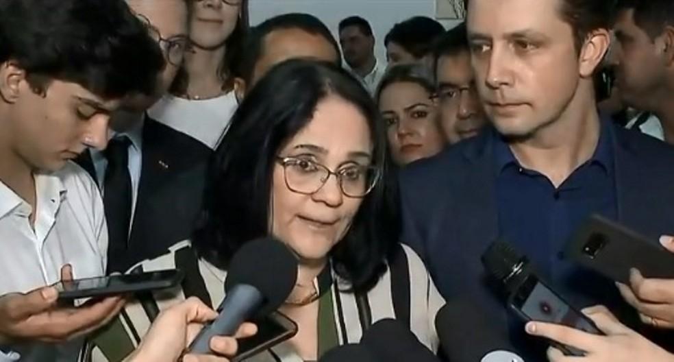 A ministra Damares Alves durante entrevista no mês passado em Santa Catarina — Foto: Reprodução/NSC TV