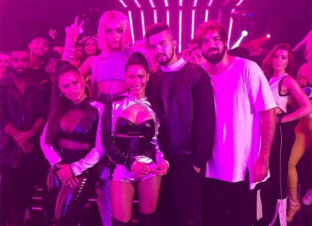 Simone e Simaria, Pabllo Vittar, Luna Santana e o diretor Bruno Ilogti (Foto: Reprodução/Instagram)