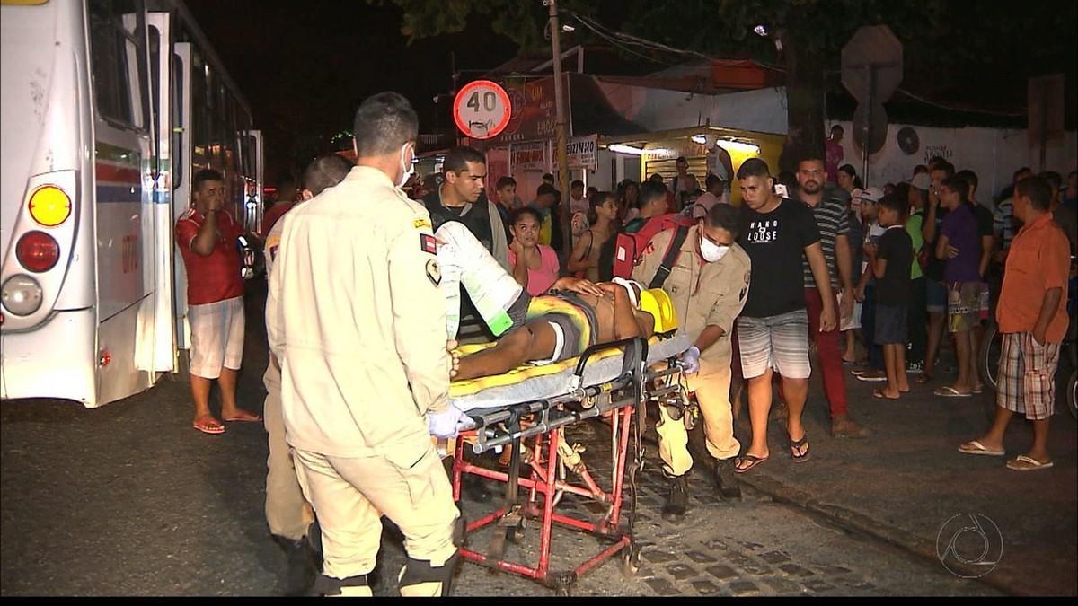Dupla suspeita de assalto é detida após sofrer acidente em João Pessoa