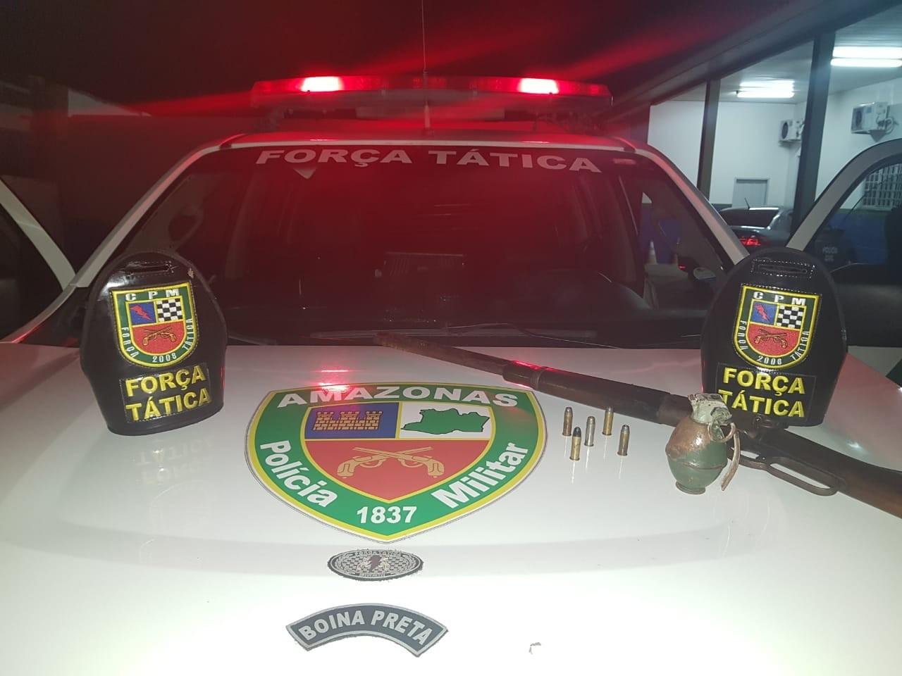 Granada e rifle são apreendidos em Manaus, e suspeitos fogem