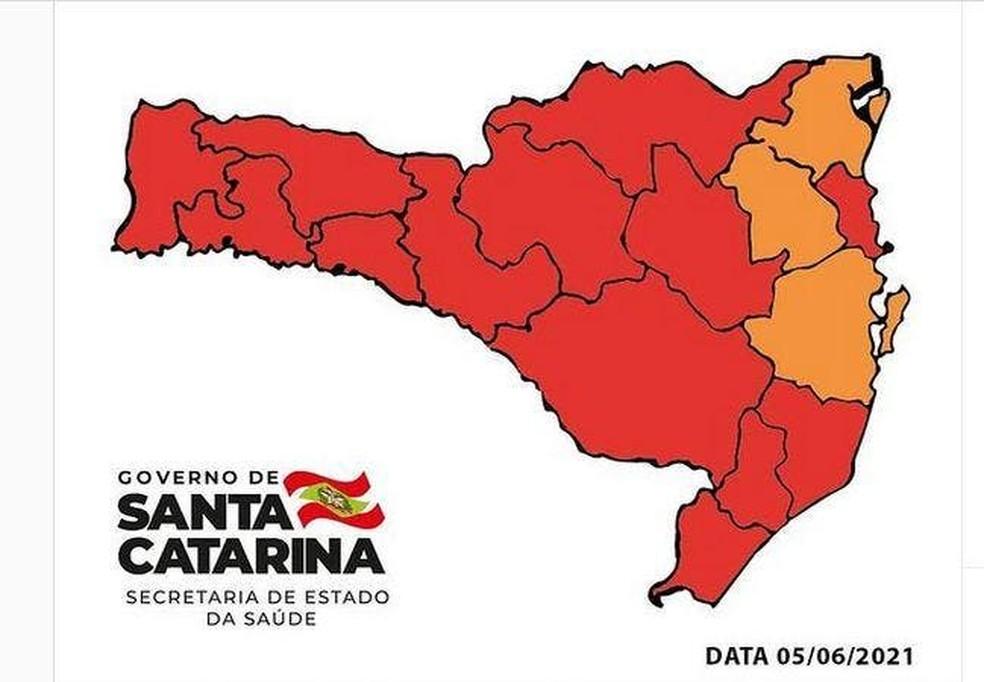 Mapa de risco Covid-19 em Santa Catarina divulgado neste sábado — Foto: Secretaria de Estado de Saúde/ Divulgação
