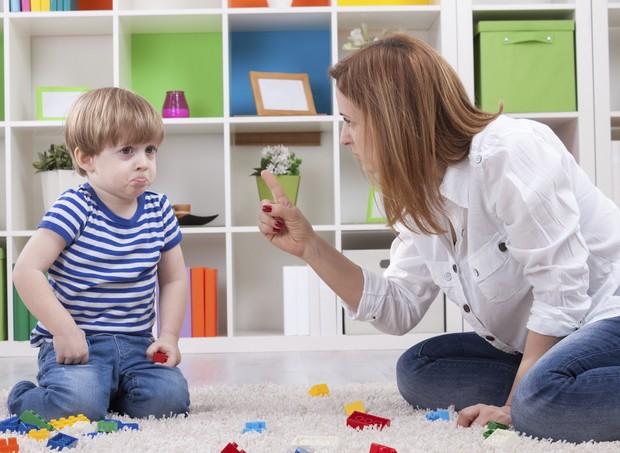 mãe; filho; bronca; menino; criança; toddler (Foto: Thinkstock)