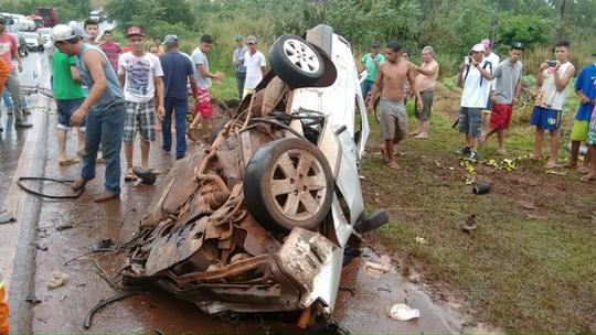 Duas pessoas morrem e três ficam feridas em rodovia federal no Paraná