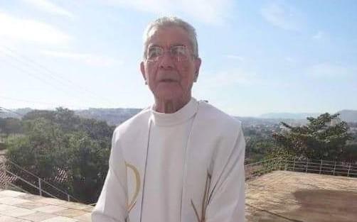 Padre sobre mal súbito e morre  durante celebração em São José do Rio Pardo