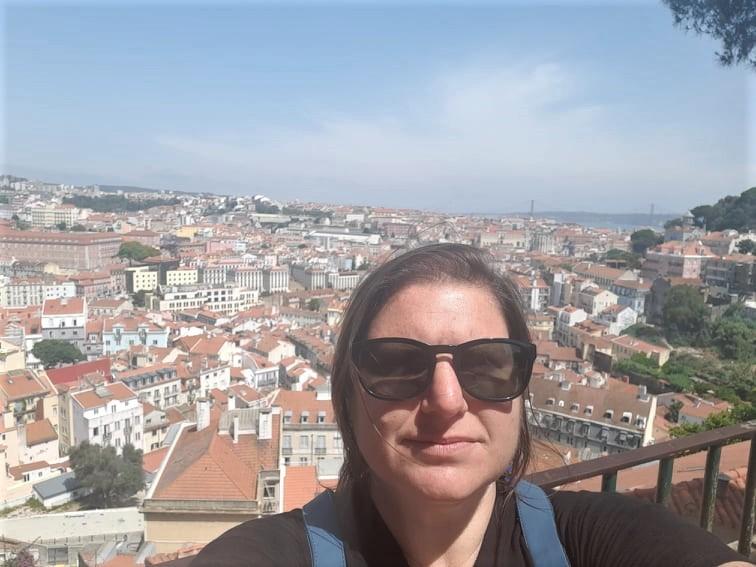 A carioca Karina Lerner em Lisboa: formada em marketing e desempregada por não ter residência
