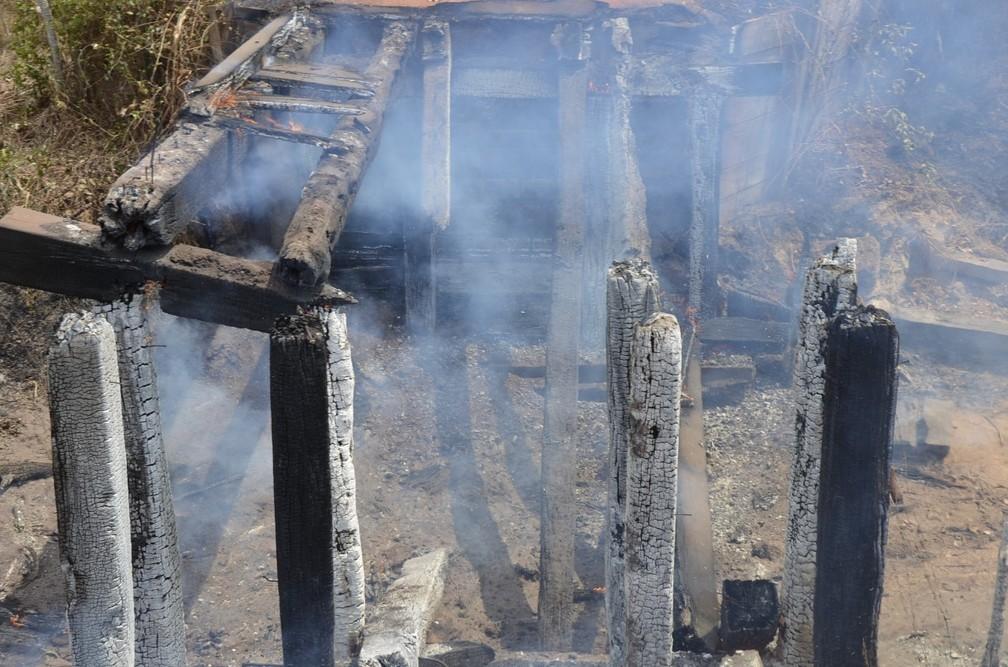 Prefeitura suspeita que fogo em ponte foi criminoso — Foto: Prefeitura de Nossa Senhora do Livramento/Divulgação