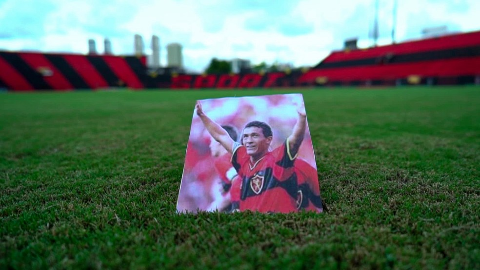 Leonardo, ex-atacante do Sport e ídolo do clube, morreu em 2016, aos 41 anos, por problemas de saúde — Foto: Reprodução