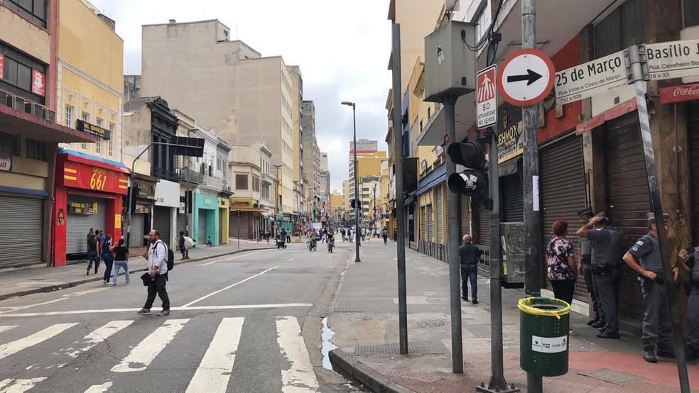 Rua 25 de Março vazia no primeiro dia de fechamento do comércio após decreto — Foto: Arquivo Pessoal