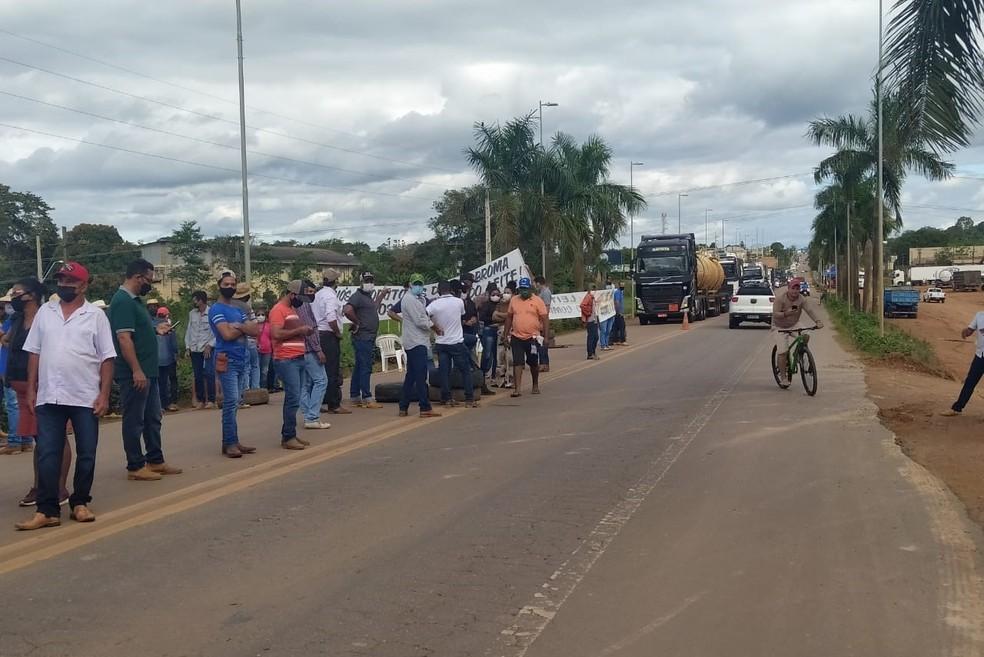 Protesto de produtores de leite em Jaru, RO — Foto: Reprodução/Redes Sociais