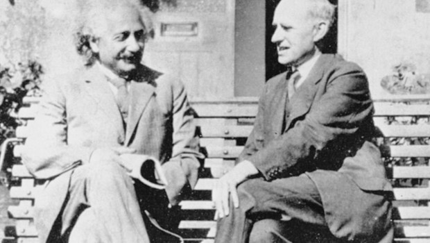Einstein e Eddington só se encontraram na Inglaterra anos depois do eclipse que comprovou a relatividade geral; por causa da Primeira Guerra, o clima ainda era tenso entre cientistas britânicos e alemães (Foto: SCIENCE PHOTO LIBRARY)