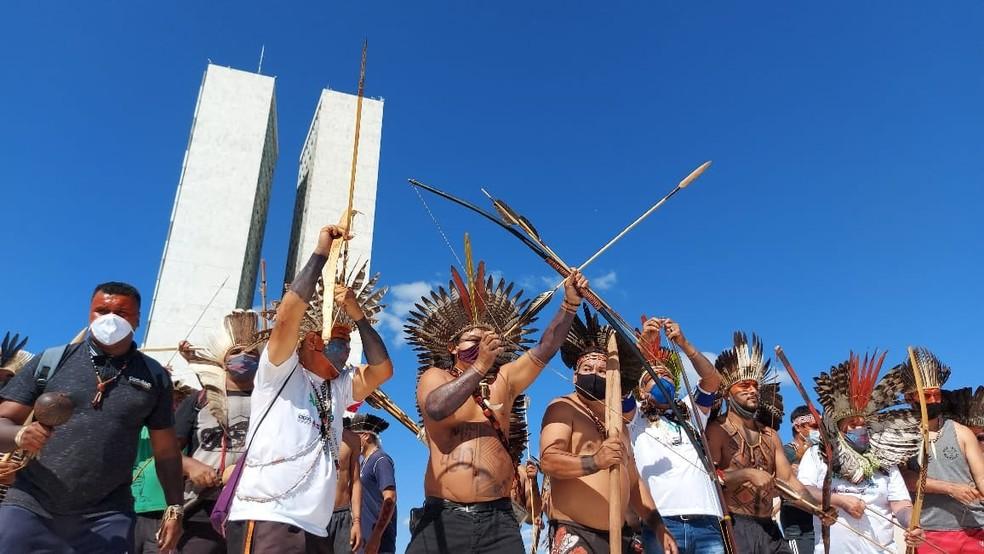 Ato de indígenas no Congresso Nacional, em 8 de junho — Foto: Conselho Indigenista Missionário (Cimi)/Divulgação