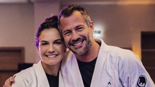 Malvino Salvador ganha faixa marrom no jiu-jítsu das mãos de Kyra Gracie