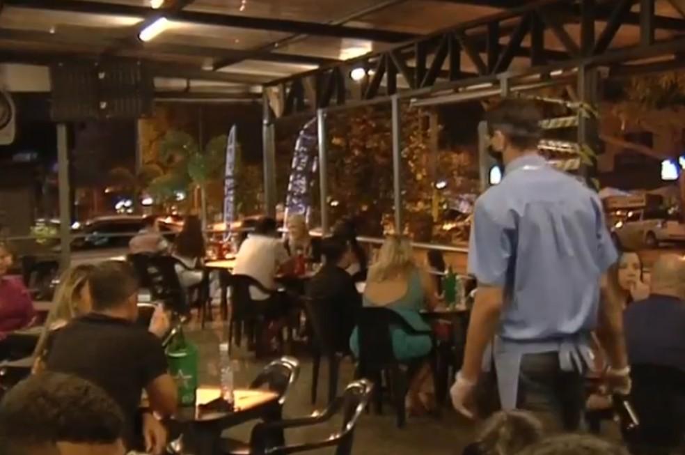 Novo decreto de Goiânia aumenta horário de funcionamento de bares e restaurantes — Foto: Reprodução/TV Anhanguera