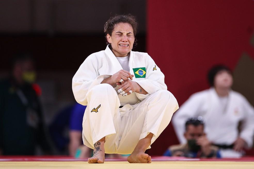 Maria Portela desaba chorando após receber o terceiro shido e ser eliminada das Olimpíadas de Tóquio 2020 — Foto: Gaspar Nóbrega/COB