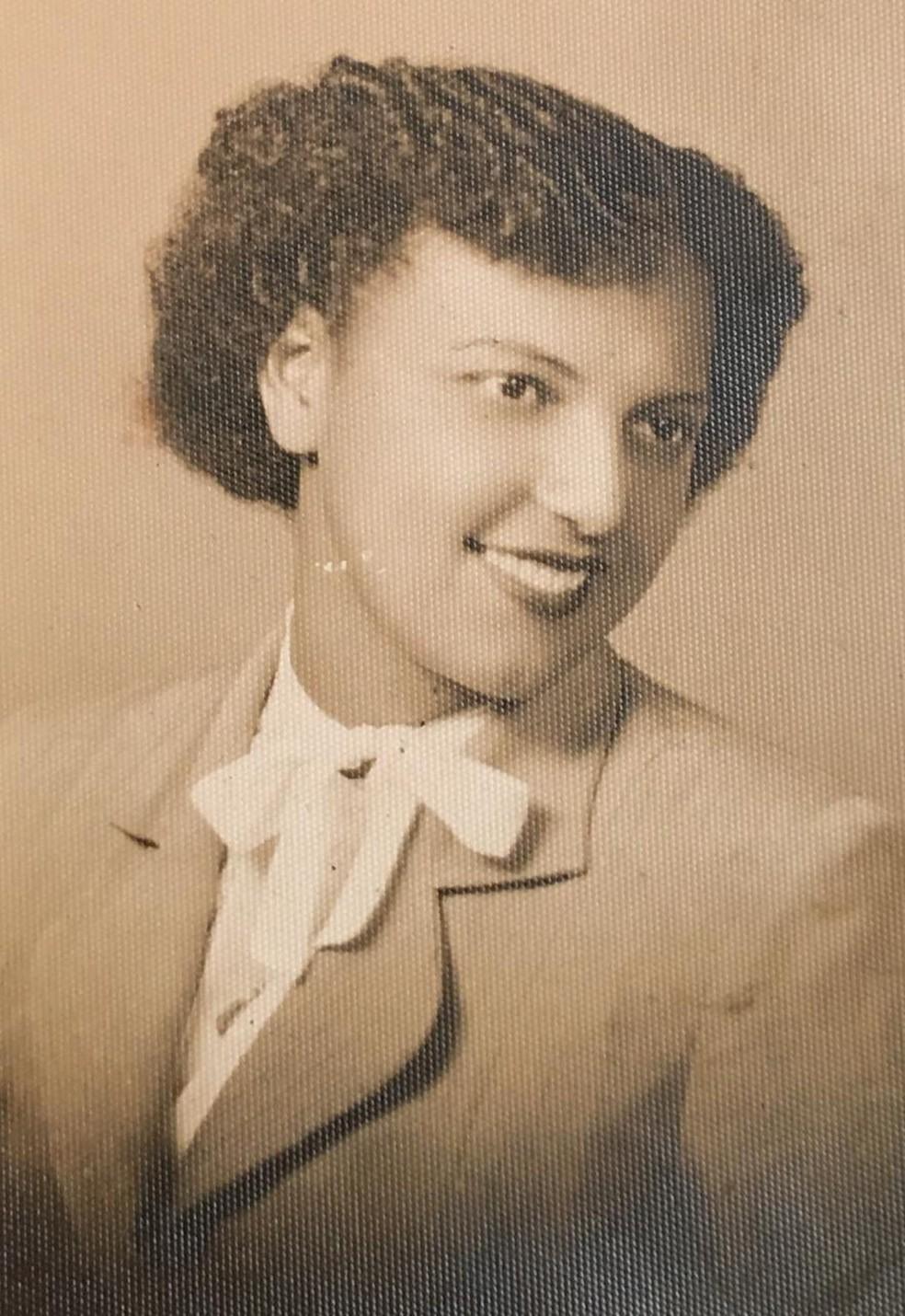 Dona Ivone aos 21 anos já atuava nas pesquisas de café no IAC. — Foto: Arquivo pessoal