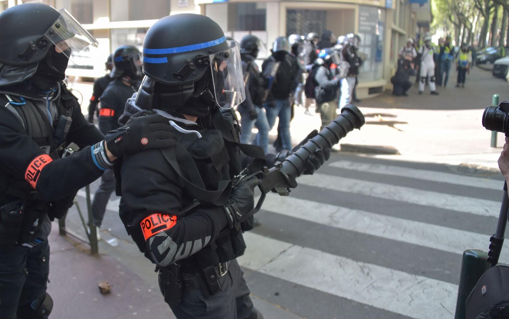 França registra recorde de suicídios de policiais
