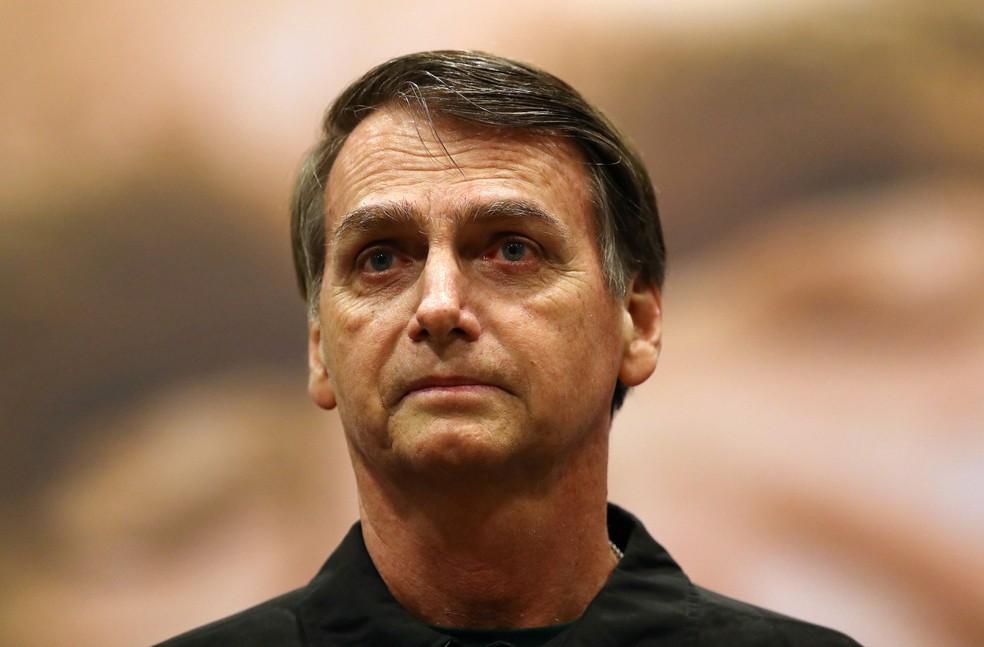 Bolsonaro durante ato de campanha no Rio de Janeiro, nesta quita-feira (11) — Foto: REUTERS/Ricardo Moraes