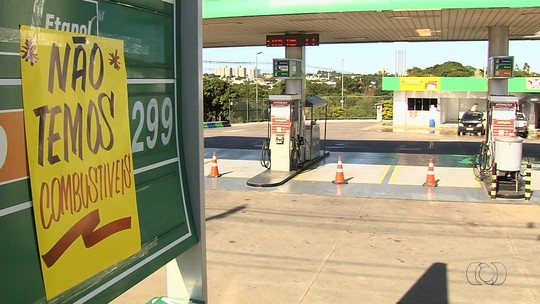 Bloqueio de distribuidoras em ato contra preço dos combustíveis causa prejuízo de R$ 40 milhões ao setor, diz sindicato