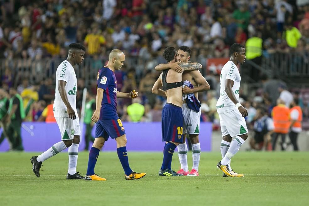 Chapecoense enfrentou Barcelona na volta de Alan Ruschel aos gramados (Foto: AFP)