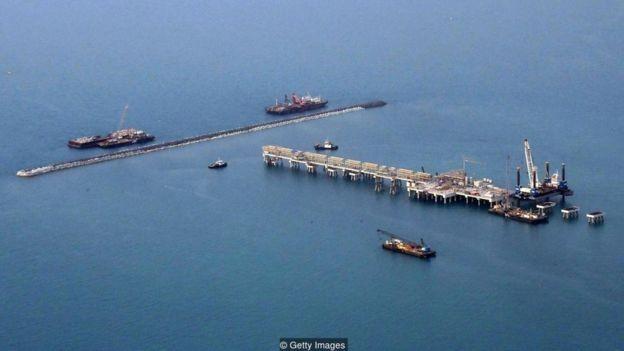 Bahrein está diversificando a economia para se proteger contra a queda dos preços do petróleo (Foto: Getty Images/BBC)