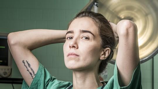 Marjorie Estiano explica autoflagelação de Carolina em 'Sob Pressão': 'É uma angústia imensa'