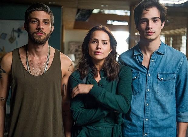 Ícaro (Chay Suede), Rosa (Letícia Colin) e Valentim (Danilo Mesquita) (Foto: Raquel Cunha/TV Globo)