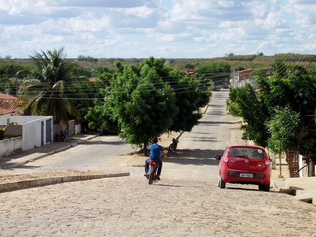 Cidade agora enfrenta surto de diarreia após as enchentes (Foto: Gustavo Almeida/G1)