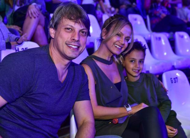 Adriano Ricco, Eliana e Arthur (Foto: Leo Franco/AgNews)
