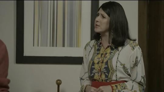 Dani Calabresa é mãe dedicada no 'Zorra'