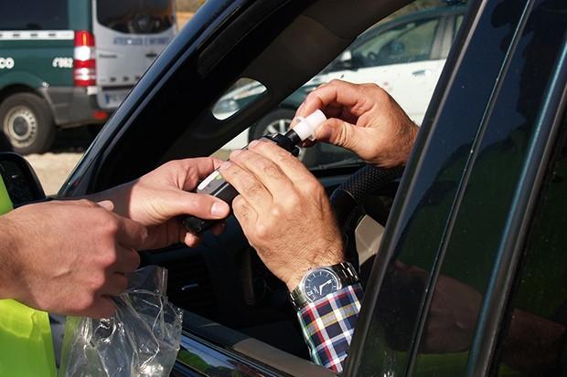 Recusar a realização do teste do bafômetro é considerada infração gravíssima (Foto: Reprodução)