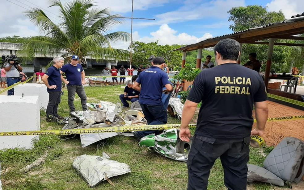 destrocos-da-aeronave-recolhos-pela-pericia Homem descreve acidente de Gabriel Diniz: 'Caindo sem asa'