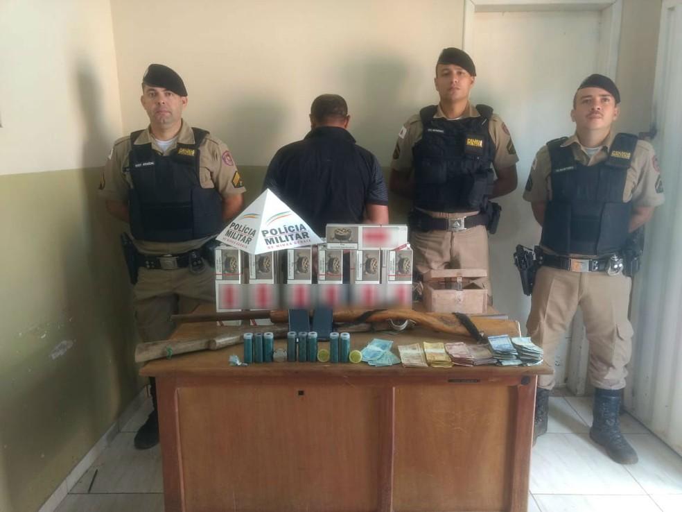 Materiais apreendidos pela Polícia Militar em Miravânia — Foto: Polícia Militar/Divulgação
