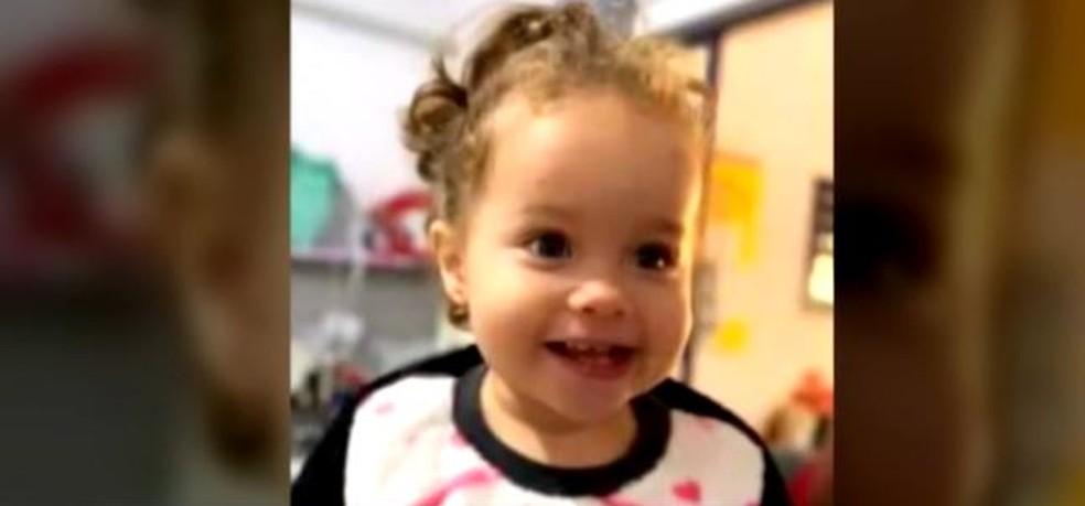 Anna Bela Fernandes de Barros, de 1 ano e 8 meses — Foto: Reprodução/ NSC TV