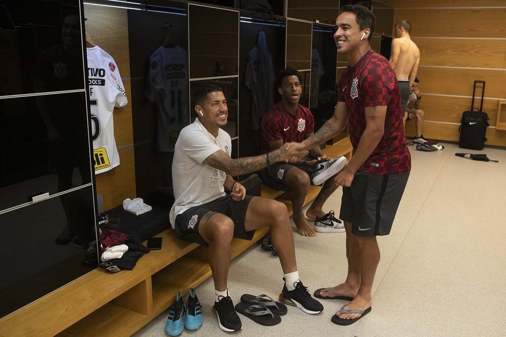 Ralf e Jadson no vestiário da Arena Corinthians em 2019 — Foto: Daniel Augusto Jr/Ag Corinthians