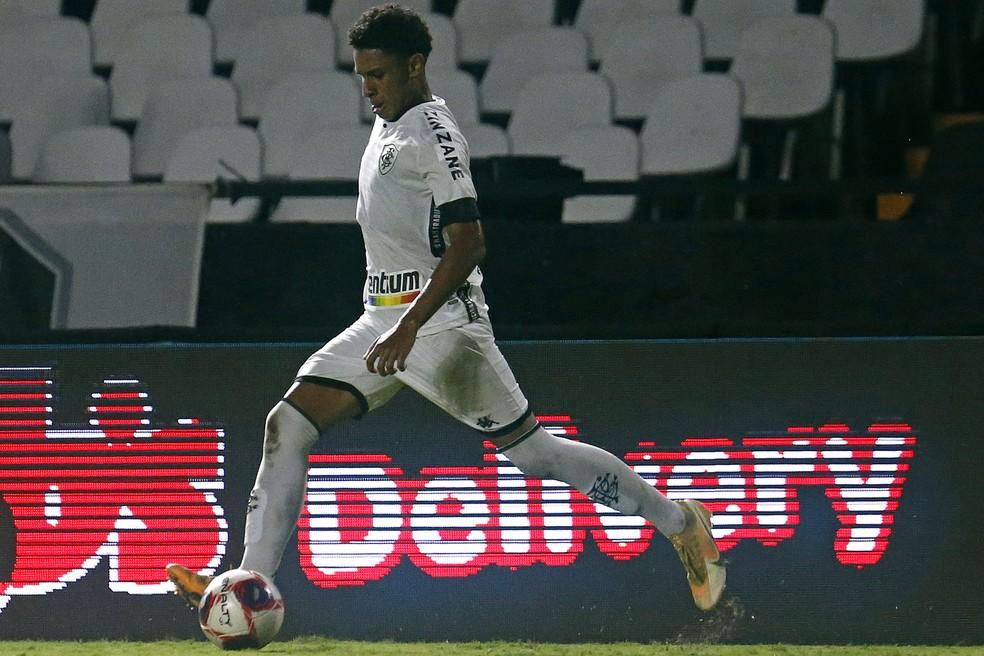 Promovido nesse ano, Paulo Victor foi titular nos últimos jogos — Foto: Vitor Silva/Botafogo