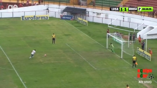 Jogador deixa a Portuguesa após queda na Copa Paulista e cria academia de goleiros; testamos