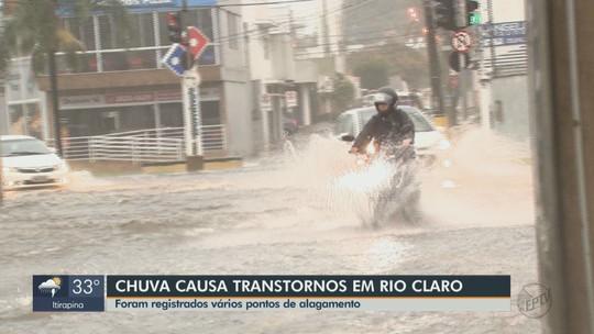 Chuva forte em Rio Claro causa alagamentos em ruas e avenidas
