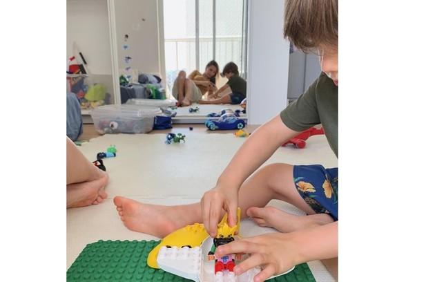 Quarto de Theo, filho de 4 anos Romulo Estrela e Nilma Quariguasi (Foto: Reprodução)