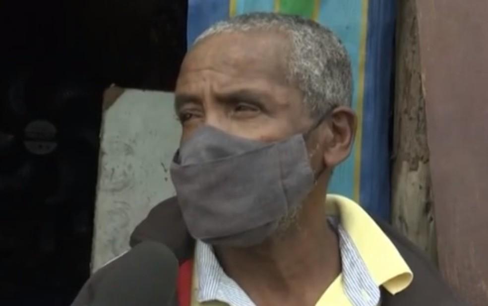 Moradores de Feira de Santana tentam conseguir documentação de idoso que precisa realizar cirurgia: 'É muito grave' — Foto: Reprodução/TV Subaé