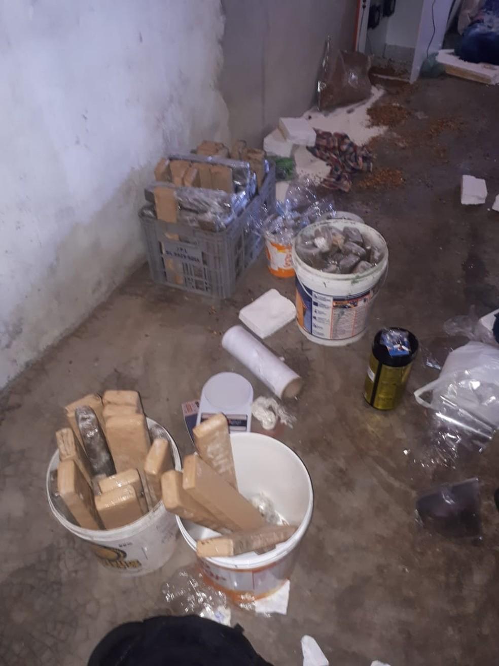PM apreende mais de 70 quilos de drogas na Zona Norte de Natal — Foto: Polícia Militar/Cedida