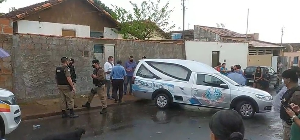 Homicídio no Bairro Gutierrez em Araguari — Foto: Reprodução/Facebook