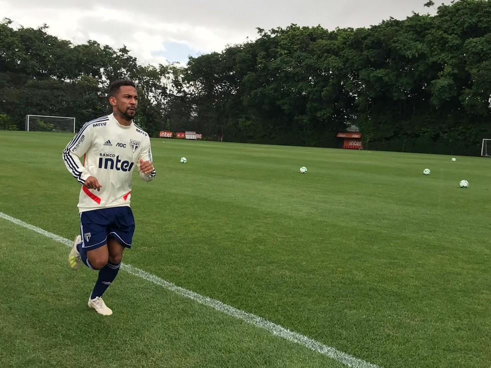 Biro Biro treina no São Paulo — Foto: Eduardo Rodrigues