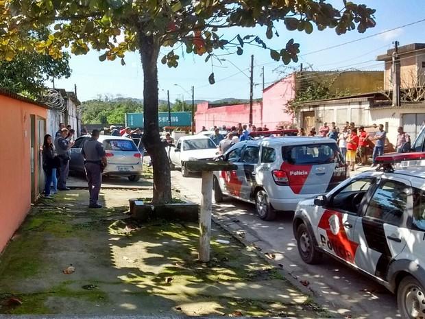 Polícia investiga morte de candidato a vereador em Guarujá; Ele foi fuzilado com cerca de 30 tiros (Foto: G1)