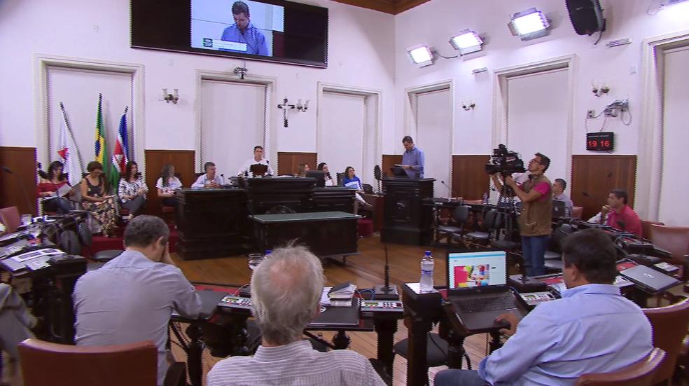 Secretários de Juiz de Fora se reúnem na Câmara Municipal para discutir sobre as políticas de proteção das pessoas com autismo  (Foto: TV Integração/Reprodução )